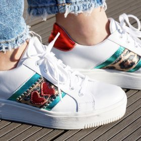 Te stylizacje ze sneakersami Cię zachwycą
