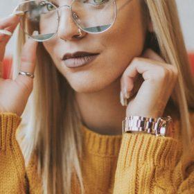 Kolor musztardowy - jak łączyć, żeby świetnie wyglądać?