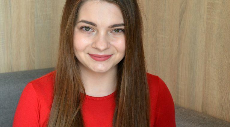 """Przedstawiamy wam blogerkę - Dorotę Gargas, z """"Niedokońcakosmetycznie""""."""