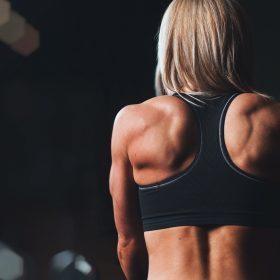 Fitness dla początkujących, czyli jak się ubrać na siłownię.