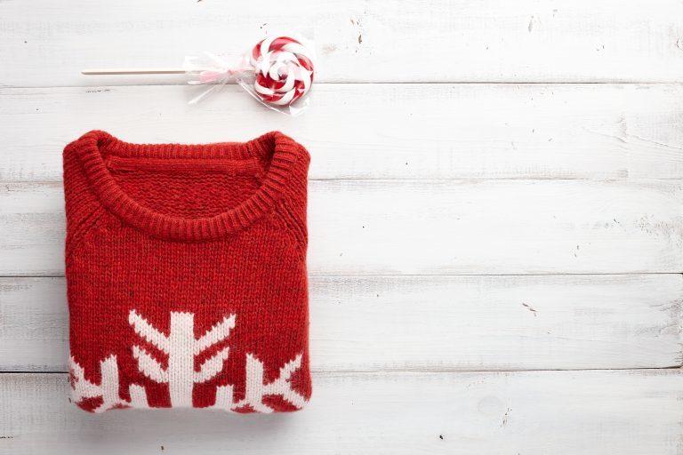 Sweter świąteczny - pomysł na przytulne święta