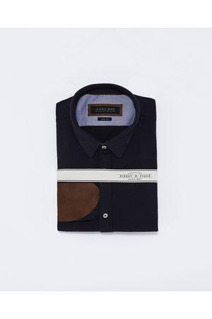 Mężczyzna Koszule - Zara KOSZULA Z PIKI Z ŁATAMI NA ŁOKCIACH - Dostępny w innych kolorach