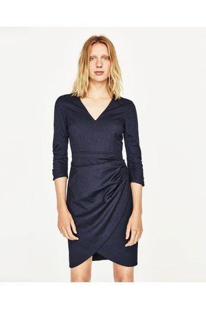 Kobieta Sukienki - Zara SUKIENKA O KROJU OŁÓWKOWYM Z DRAPOWANIEM