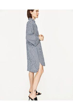 Kobieta Sukienki dzienne - Zara SUKIENKA OVERSIZE W DROBNĄ KRATKĘ Z WIĄZANIEM