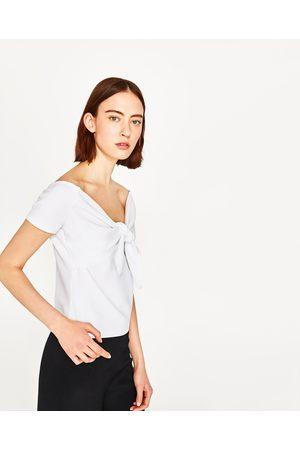 Kobieta T-shirty - Zara KOSZULKA Z WYCIĘCIEM I WIĄZANIEM - Dostępny w innych kolorach