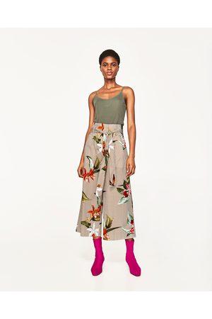 Kobieta Topy na ramiączkach - Zara KOSZULKA Z PRĄŻKOWANEJ DZIANINY NA RAMIĄCZKACH - Dostępny w innych kolorach