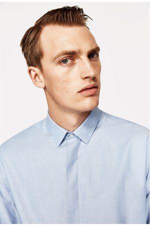 Mężczyzna Koszule - Zara KOSZULA ZAPINANA NA GUZIKI POD KRYTĄ LISTWĄ - Dostępny w innych kolorach
