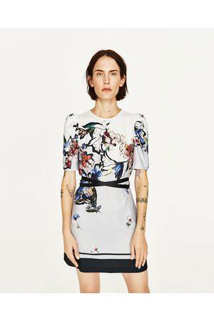Kobieta Sukienki z nadrukiem - Zara SUKIENKA Z NADRUKIEM W KWIATY