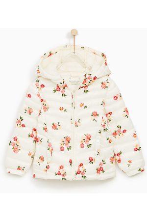 modne jesienne dziecięce kurtki letnie i przejściowe Zara