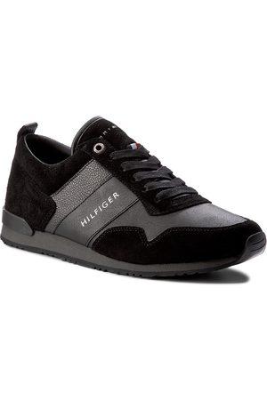 Tommy Hilfiger Mężczyzna Buty casual - Sneakersy - Maxwell 11C1 FM0FM00924 Black 990