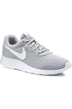 Nike Buty - Tanjun 812654 010 Wolf Grey/White