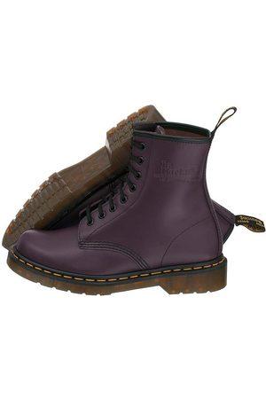 26f4066e27b00 modne damskie buty kryte Dr. Martens, porównaj ceny i kup online