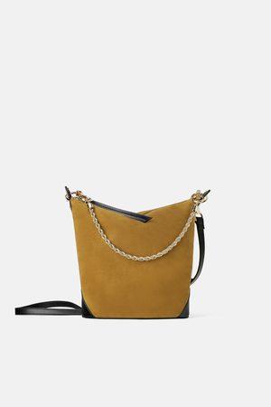 Zara Zamszowa torebka typu worek z łańcuszkowym paskiem