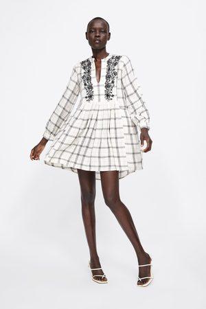 Zara Sukienka w kratę z haftem
