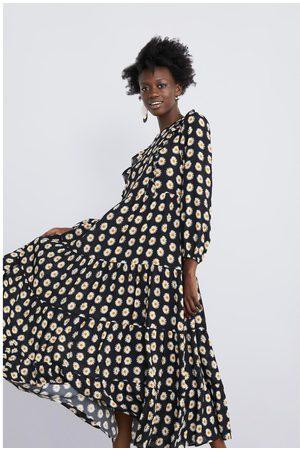 Zara Sukienka w kwiaty z falbankami