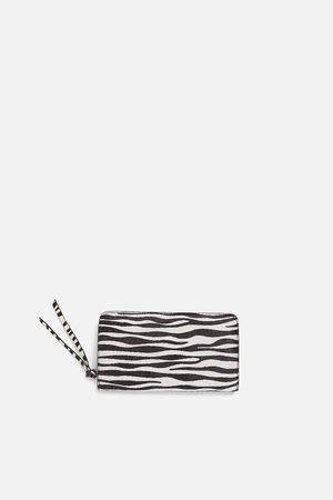 Zara Skórzana portmonetka typu banknotówka w zwierzęcy deseń