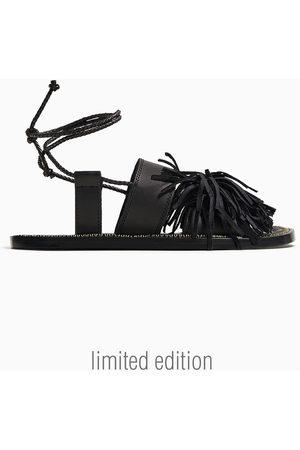 Zara Skórzane sandały z frędzlami