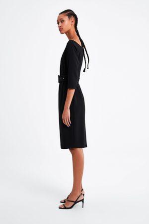 Zara Sukienka o kroju ołówkowym z paskiem