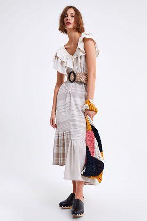 Zara Kobieta Sukienki - Sukienka z falbankami
