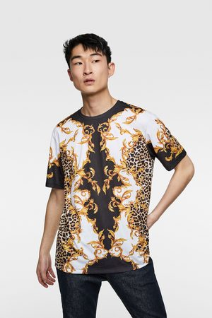 Koszulka z nadrukiem w stylu barokowym