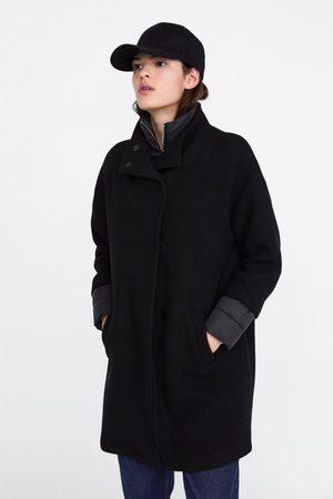 Zara Ocieplany płaszcz z łączonych tkanin
