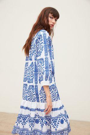 Zara Koszulowa sukienka z haftem