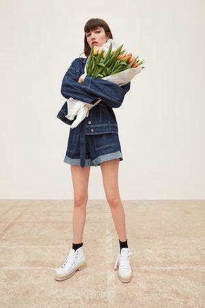 Zara Kurtka jeansowa z kontrastowymi przeszyciami