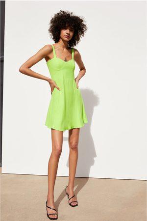 Zara Sukienka w jaskrawym kolorze
