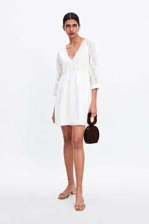 Zara Kobieta Sukienki - Sukienka ze wstawkami z haftem