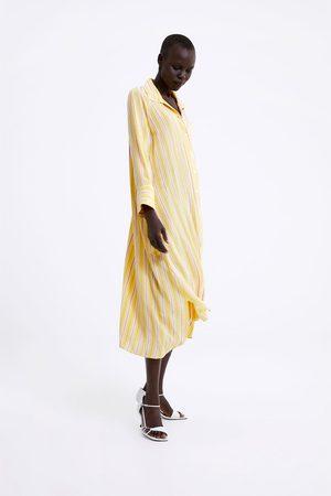 Zara Kobieta Sukienki z nadrukiem - Sukienka w paski z kieszenią