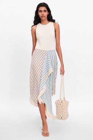 Zara Kobieta Sukienki z nadrukiem - Sukienka w paski ze wstawkami z łączonych tkanin