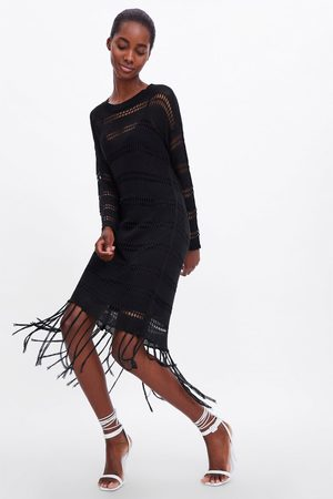 Zara Szydełkowa sukienka z frędzlami