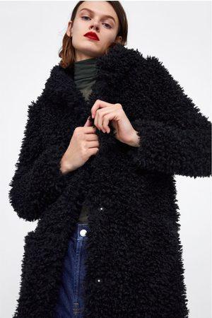 Zara Płaszcz z przyjemnego w dotyku sztucznego futerka