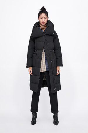 Zara Pikowany płaszcz z otulającym kołnierzem