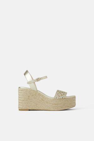 Zara Sandały z plecionki na koturnie z platformą
