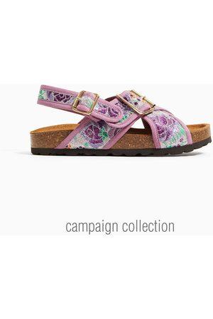 Zara Sandały z paskami z haftem