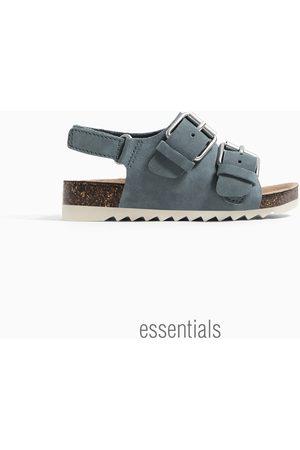 Zara Dziecko Sandały - Jednobarwne sandały ze sprzączkami