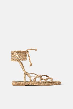 Zara Sandały z plecionki z wiązaniem z materiałów naturalnych