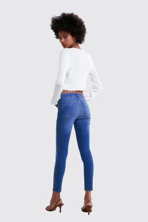 Zara Spodnie jeansowe rurki z biżuteryjnymi lampasami po bokach z kolekcji z1975