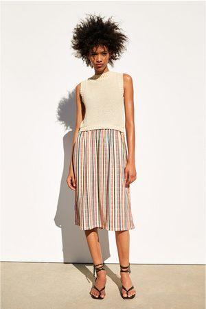Zara Kobieta Sukienki - Sukienka z łączonych tkanin