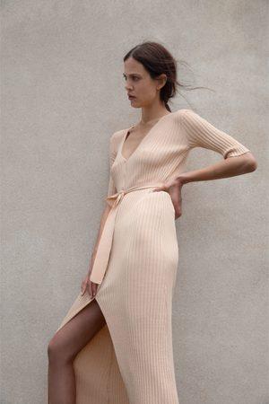 Zara Dzianinowa sukienka z paskiem