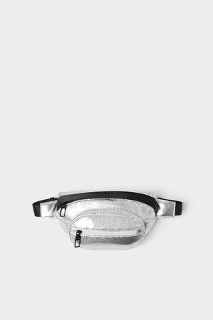 Zara Torebka typu nerka z metalizowanym wykończeniem