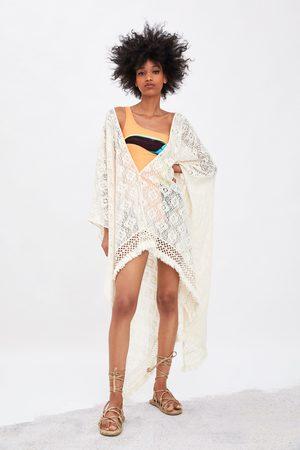Zara Kimono z tkaniny strukturalnej z frędzlami