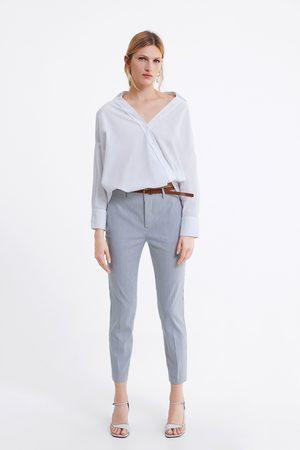 Zara Spodnie chinosy w paski z paskiem