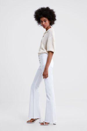 Zara Spodnie jeansowe o rozszerzanym kroju z kolekcji z1975