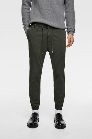Zara Mężczyzna Spodnie dresowe - Spodnie joggery z przyjemnej w dotyku tkaniny