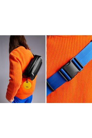 Zara Czarna torebka typu nerka z barwnym zdobieniem