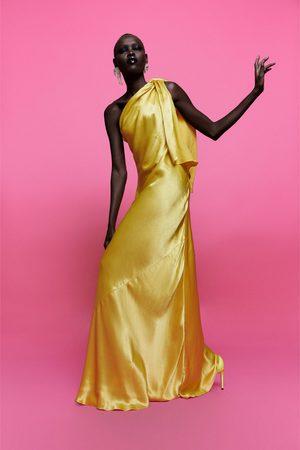 Zara Sukienka z odkrytym ramieniem z limitowanej edycji