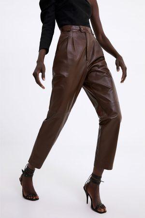 Zara Skórzane spodnie z zaszewkami