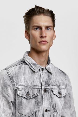 Zara Kurtka jeansowa z efektem gniecenia